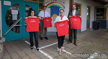 """""""Ich bin ein Schulkind"""": Sparkasse sponsert T-Shirts - Osthessen News"""