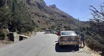 Huancavelica: Coronavirus entra y sale en auto sin control alguno - Diario Correo