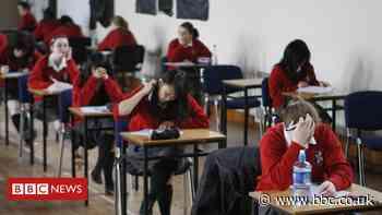 Coronavirus: GCSE students allowed to drop poetry in 2021 exams