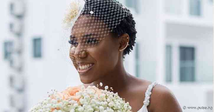 Simple and stunning: This bride ditched all the wigs for her natural cut waves on her big day