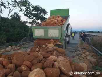 Transporte pesado de Santa Cruz declara a la COB enemiga del sector - EL DEBER