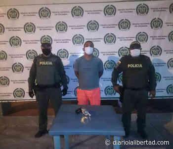 Patrulleros capturan a hombre por andar haciendo disparos al aire en Maicao - Diario La Libertad
