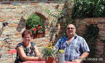 Landau an der Isar: I mogs einfach, im Garten zu sein - idowa