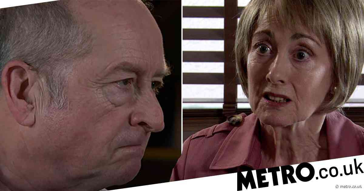 Coronation Street fans wonder whether Geoff has killed Elaine as she disappears