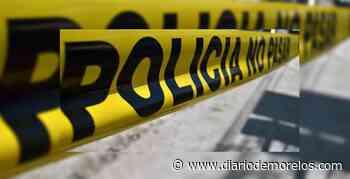Salen 3 jóvenes heridos al chocar su auto contra poste en Jiutepec - Diario de Morelos