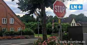Stockelsdorf: Stop-Schild an der Ahrensböker Straße verschwindet - Lübecker Nachrichten