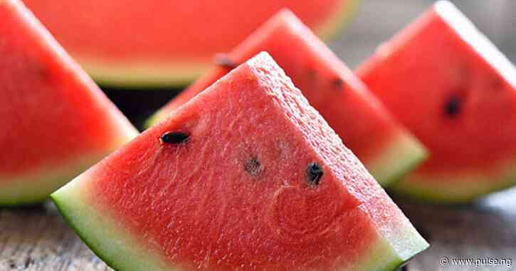 5 reasons why eating watermelon  should be a routine