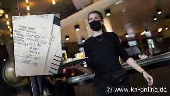 Kellnerin bekommt nur 5 Cent Trinkgeld – weil sie eine Maske trägt