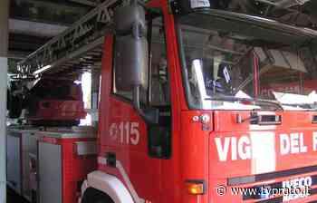 Incendio nella notte in una villetta: intossicate tre persone - tvprato.it