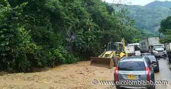 Nuevo deslizamiento en Valdivia causa cierre total en troncal a la Costa - El Colombiano