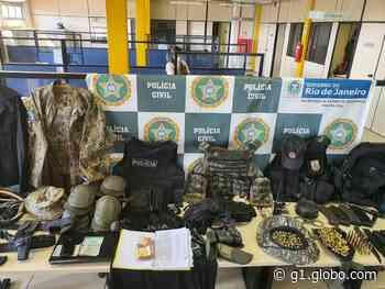 Polícia apreende munições, carregadores e equipamentos táticos em Queimados, no RJ - G1