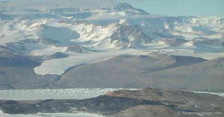 Ancient mountains recorded in Antarctic sandstones reveal potential links to global events