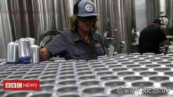 US slaps 10% levy on some Canadian aluminium
