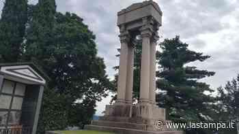 """Ad Arona la tomba-monumento di Cavallotti, """"bardo della democrazia"""", è dimenticata: fu inaugurata il 3 agosto 1899 - La Stampa"""