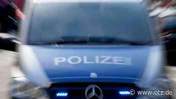 Mopedfahrer flüchtet vor Polizei – Fußgänger muss zur Seite springen - Ostthüringer Zeitung