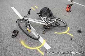 Auto kollidiert mit Radfahrern – 54-Jährige schwer verletzt - Ruhr Nachrichten