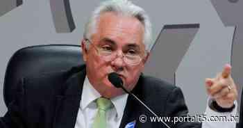 Paraibano Eitel Santiago deixa secretaria-geral da PGR - Portal T5