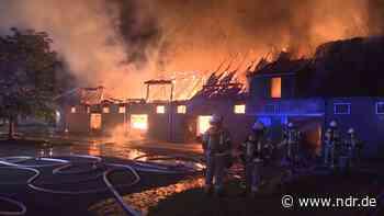 Brand in Lehrte: Offenbar Asbest freigesetzt - NDR.de