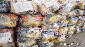 Prefeitura de Juiz de Fora distribui mais de três mil cestas básicas a famílias carentes - G1