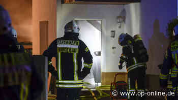 Hanau / Nidderau: Haus brennt - Feuerwehr rettet Menschen in Lebensgefahr - op-online.de