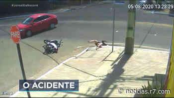 Flagrante: motorista derruba motociclista em bueiro e vai embora sem prestar socorro - HORA 7