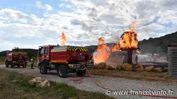 Rideau d'eau et cabine surpressurisée : comment les pompiers près de Martigues s'entraînent à se protéger d... - Franceinfo