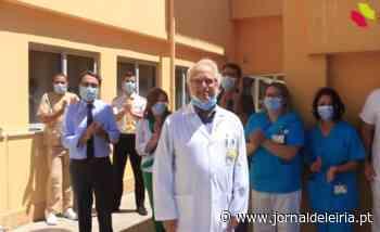Veja o vídeo da despedida do médico Bilhota Xavier com aplausos de agradecimento dos colaboradores do Hospital de Santo André ― Vídeo - Jornal de Leiria