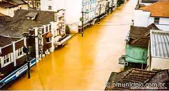 Brusque destruída por uma enchente, há 36 anos - O Munícipio