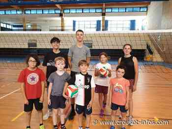 LE CREUSOT : Six jeunes pour le stage CVJ de Beach Volley - Creusot-infos.com