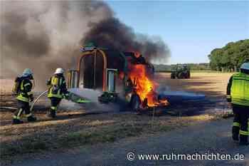 Ballenpresse in Almsick fängt Feuer – Einsatzkräfte müssen löschen - Ruhr Nachrichten