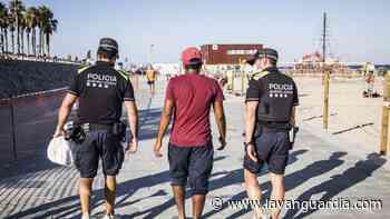 La Guardia Urbana disuelve 15 botellones al día en Barcelona - La Vanguardia