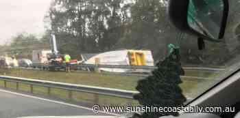 Delays as crashed boat blocks Bruce Highway traffic - Sunshine Coast Daily