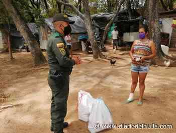 En canoa y con ayudas humanitarias llegan autoridades hasta Campoalegre - Diario del Huila