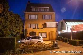 Politie pakt midden in de nacht man op in voortuin van Bart De Wever