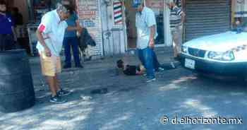 ¡Ahora en Monterrey! Comerciantes amarran a un ladrón en Colegio Civil - El Horizonte