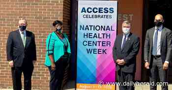 High-ranking federal health official visits Arlington Heights