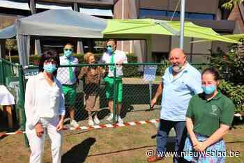Elza viert 106de verjaardag veilig achter hek - Het Nieuwsblad