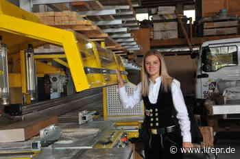 Ronja Günter ist Lehrling des Monats August, Handwerkskammer Reutlingen, Pressemitteilung - lifepr.de