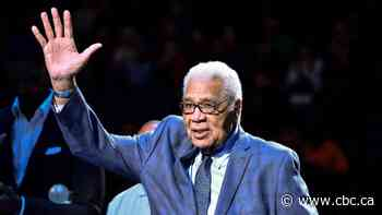 Raptors honour senior adviser Wayne Embry, NBA's 1st Black GM, ahead of Celtics game