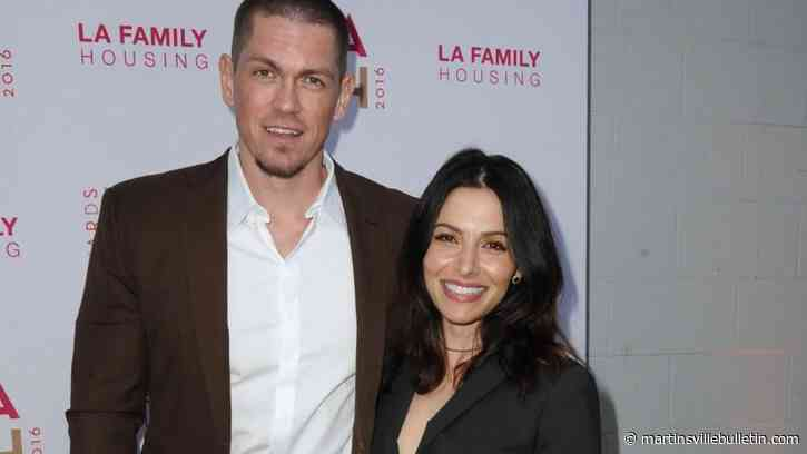 Steve Howey and Sarah Shahi split after 11 years of marriage - Martinsville Bulletin
