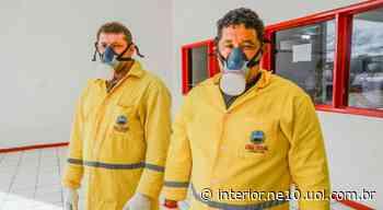 Trabalhadores da limpeza pública recebem novos EPIs em Serra Talhada - NE10 Interior