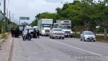 Taxistas bloquean Boulevard de Playa del Carmen - PorEsto