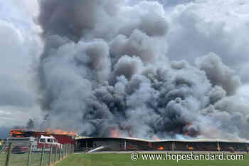 VIDEO: Chilliwack chicken barn destroyed by fire – Hope Standard - Hope Standard