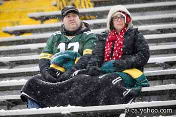 Packers ban fans from Lambeau Field early, hold out hope for later in season - Yahoo Canada Shine On