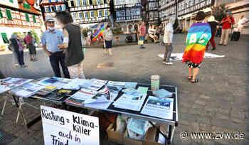 Friedensinitiative Schorndorf erinnert an den 75. Jahrestag des Abwurfs von US-Atomwaffen auf Hiroshima und Nagasaki: Mahnwache auf dem Marktplatz - Schorndorf - Zeitungsverlag Waiblingen
