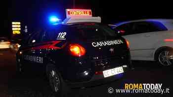 Rompono un vetro e rovistano in un suv: ladri minorenni sorpresi dai carabinieri