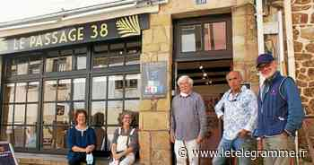 Les artistes « 5 escales » s'exposent rue du Château - Le Télégramme