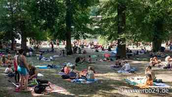 Hitze in Berlin und Brandenburg: Polizei warnt vor überfüllten Badeseen - rbb24