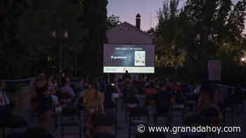Mascarillas y risas para armar 'El guateque' inaugural de las Noches de Cine en Granada - Granada Hoy