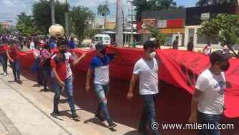 Marchan normalistas en Tuxtla Gutiérrez, Chiapas - Milenio